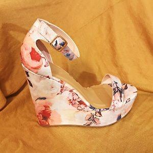 🆕 Pastel Floral boho wedge